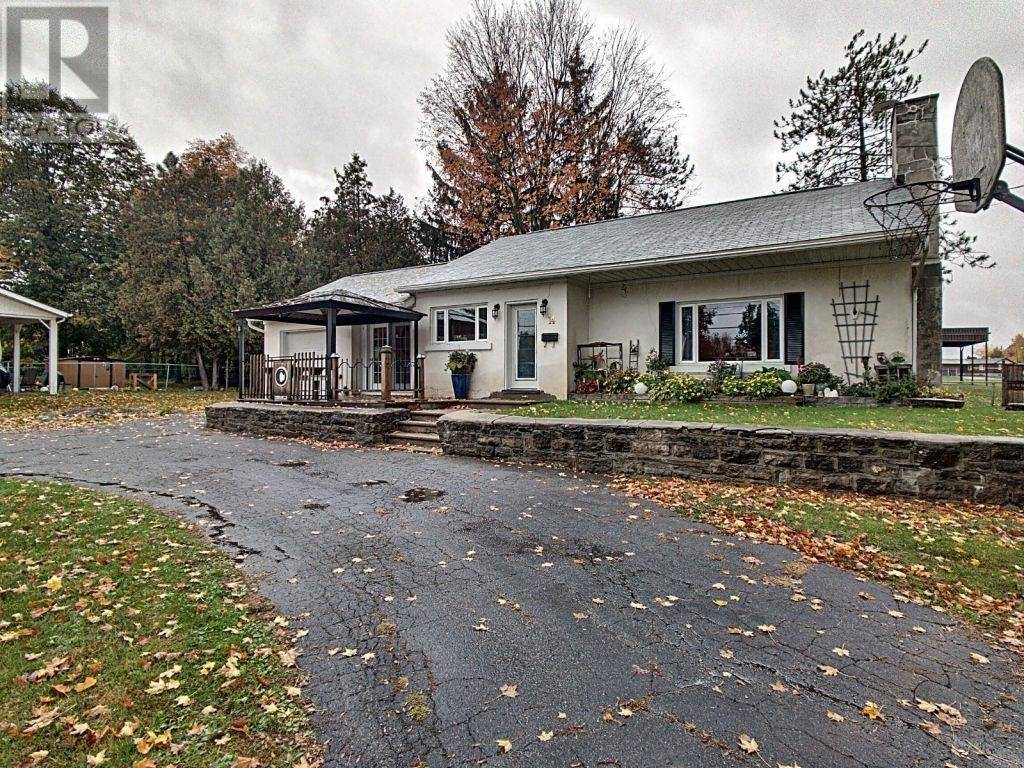 House for sale at 14 Broadview Ave W Smiths Falls Ontario - MLS: 1173258