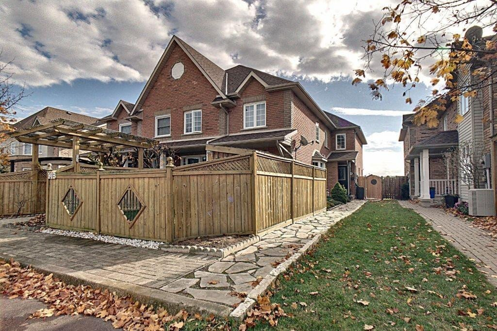 Townhouse for sale at 14 Brown Dr St. Catharines Ontario - MLS: H4092924