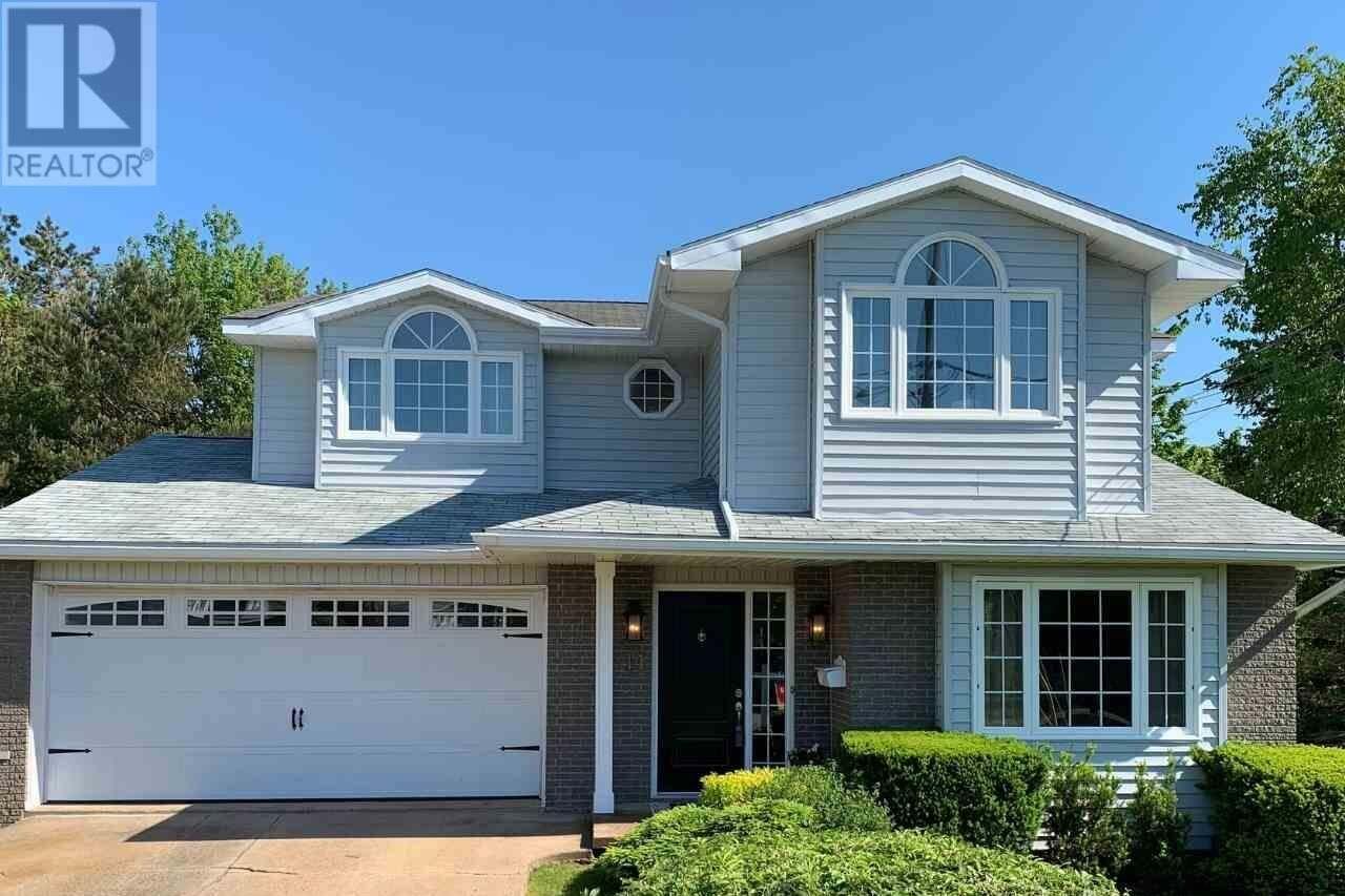 House for sale at 14 Carlson Ct Dartmouth Nova Scotia - MLS: 202009176