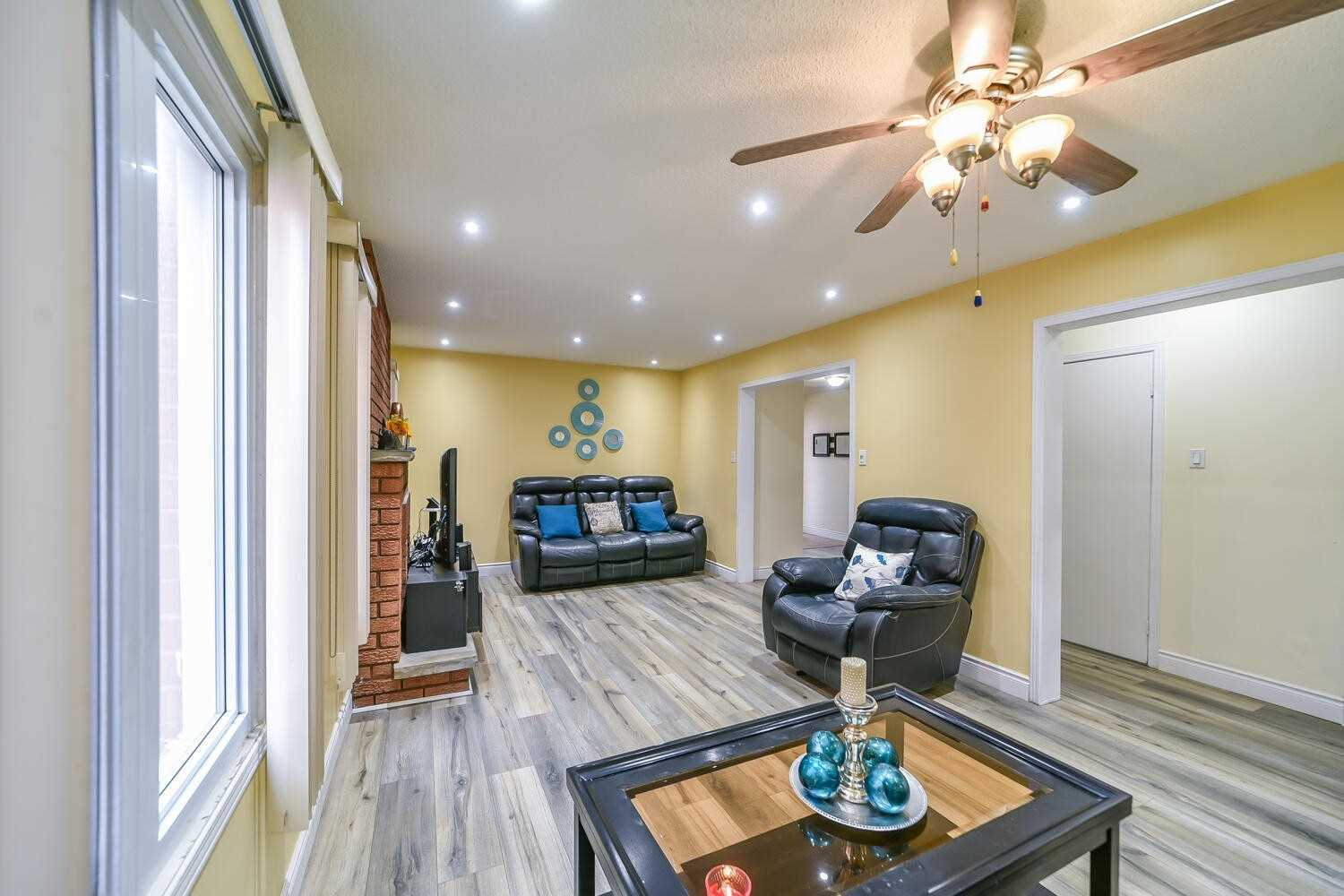 For Sale: 14 Daffodil Place, Brampton, ON   3 Bed, 4 Bath House for $799900.00. See 33 photos!