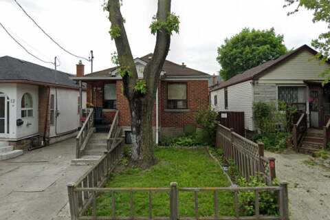 House for rent at 14 Danesbury Ave Toronto Ontario - MLS: W4960365