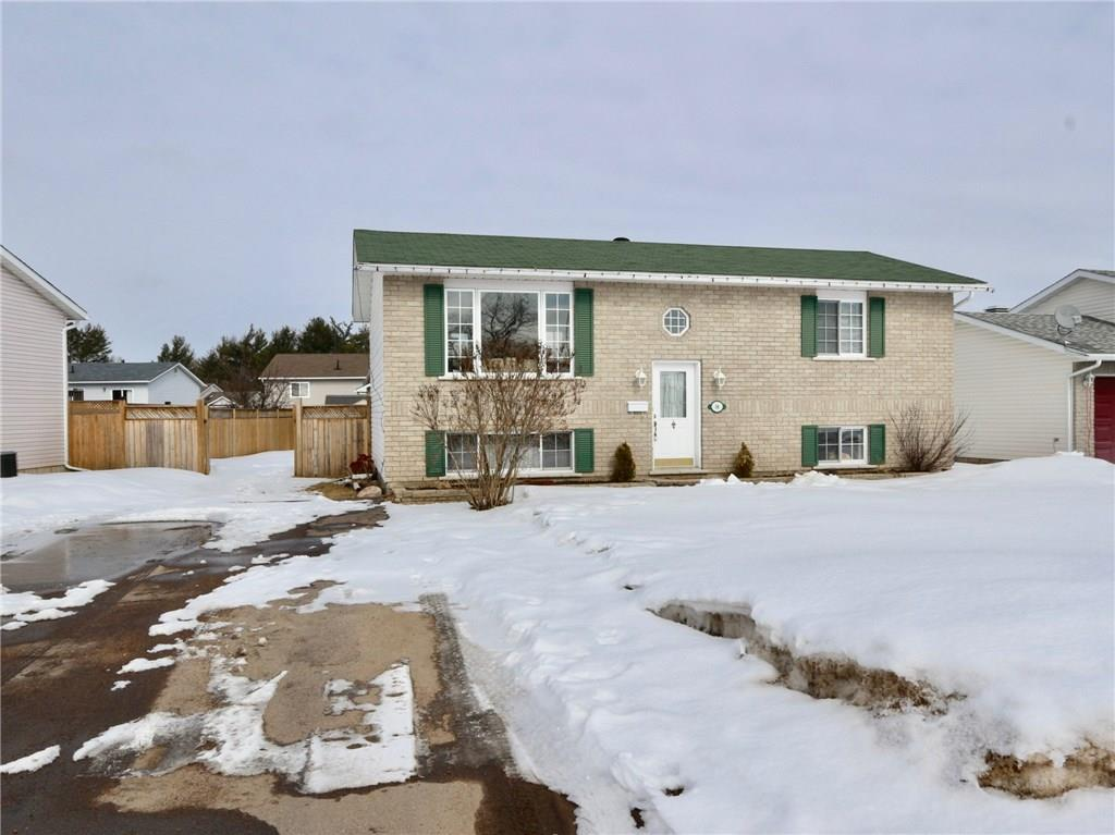 For Sale: 14 Daniel Avenue, Petawawa, ON   3 Bed, 2 Bath House for $234,900. See 19 photos!