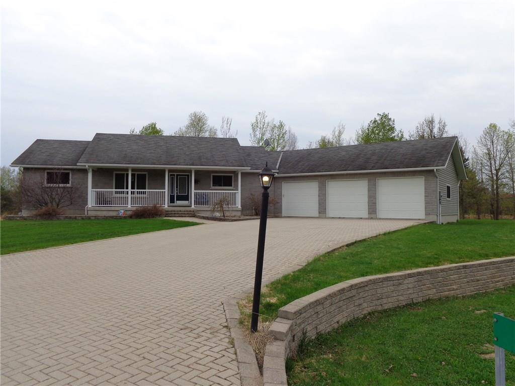 For Sale: 14 Dawson Drive, Pembroke, ON   4 Bed, 3 Bath House for $459,900. See 25 photos!