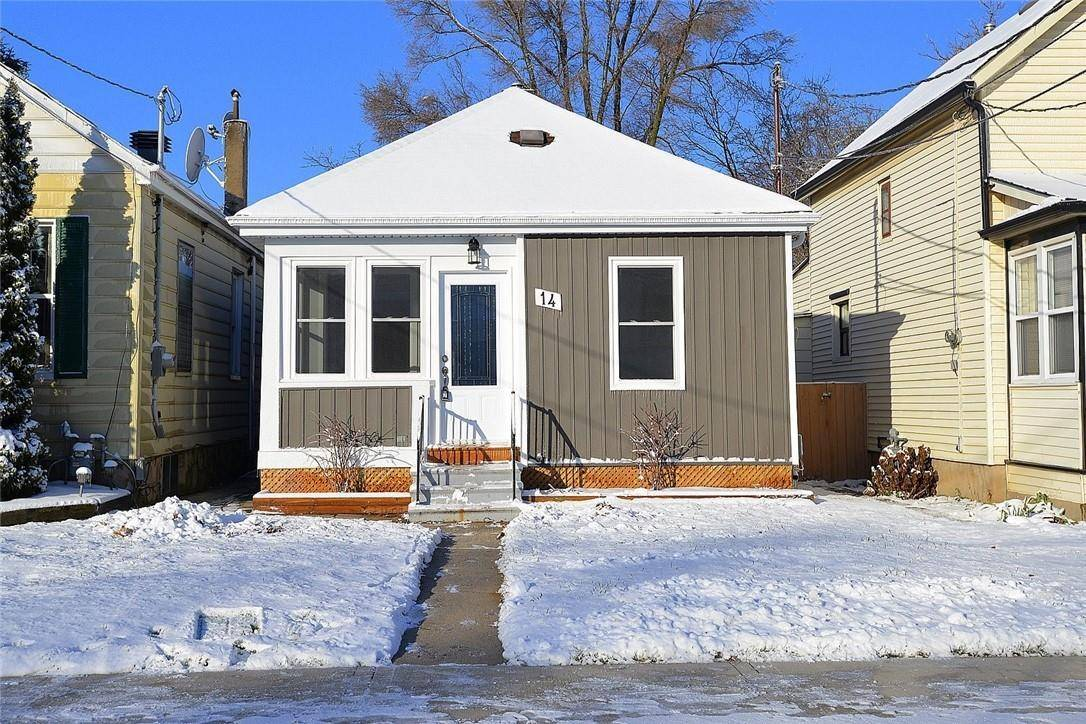 House for sale at 14 23rd St East Hamilton Ontario - MLS: H4068814