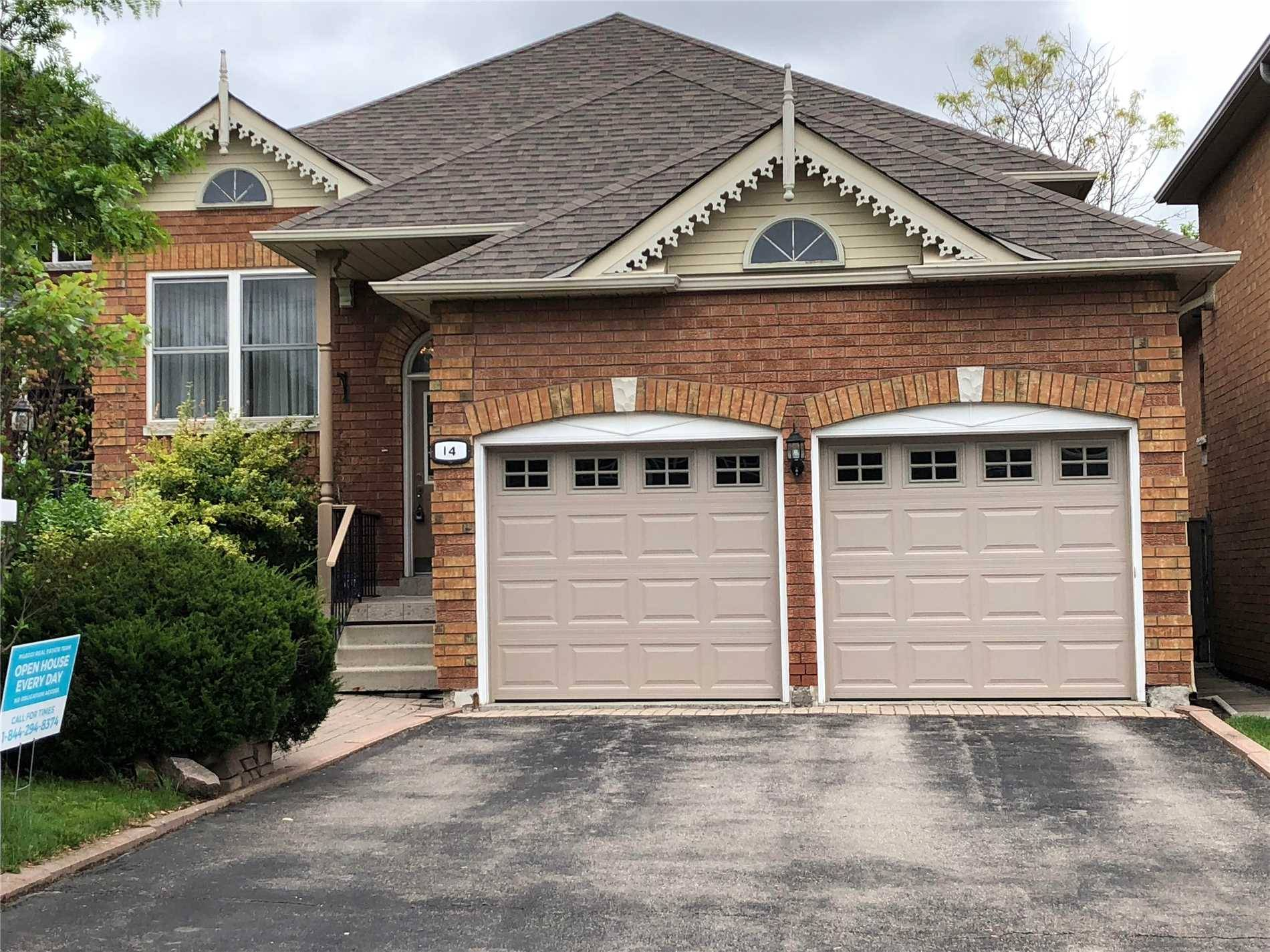 House for sale at 14 Hadley Ct Aurora Ontario - MLS: N4448471