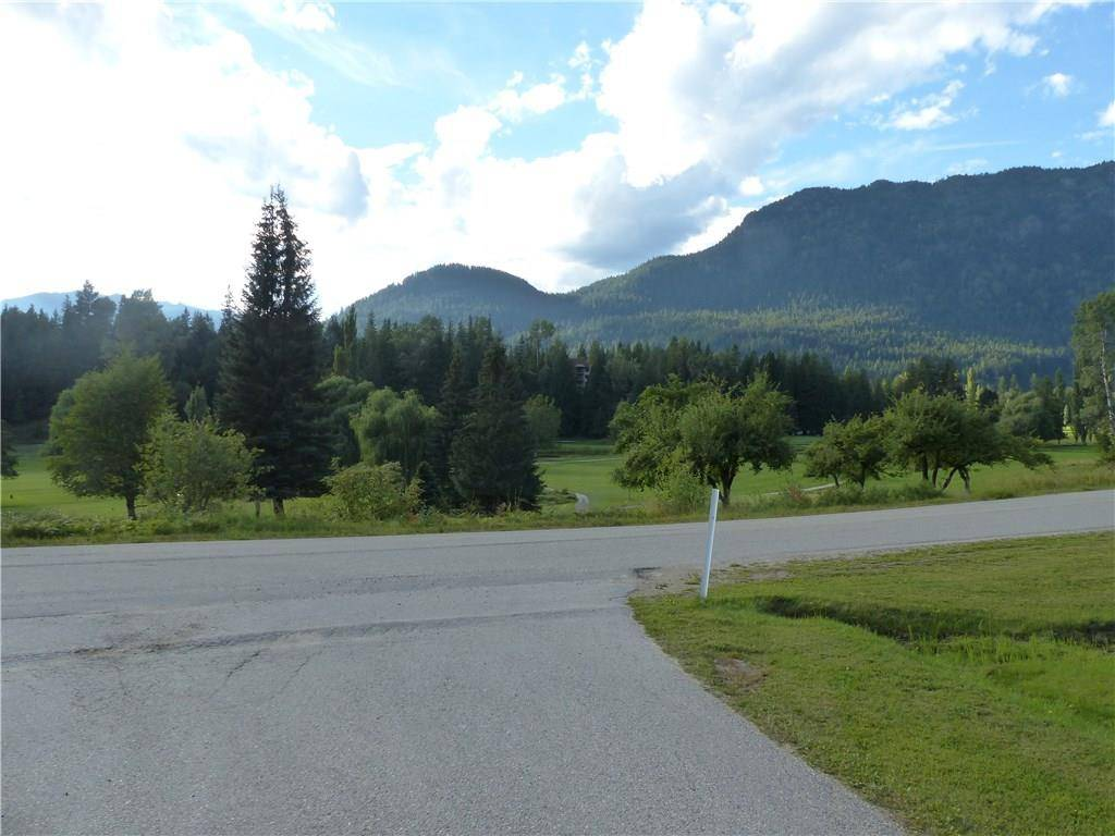 Home for sale at 0 Selkirk Rd Unit 14 Crawford Bay British Columbia - MLS: 2438108