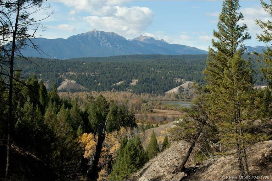 Home for sale at 0 Saddlewood Ln Unit 14 Radium Hot Springs British Columbia - MLS: 2433387