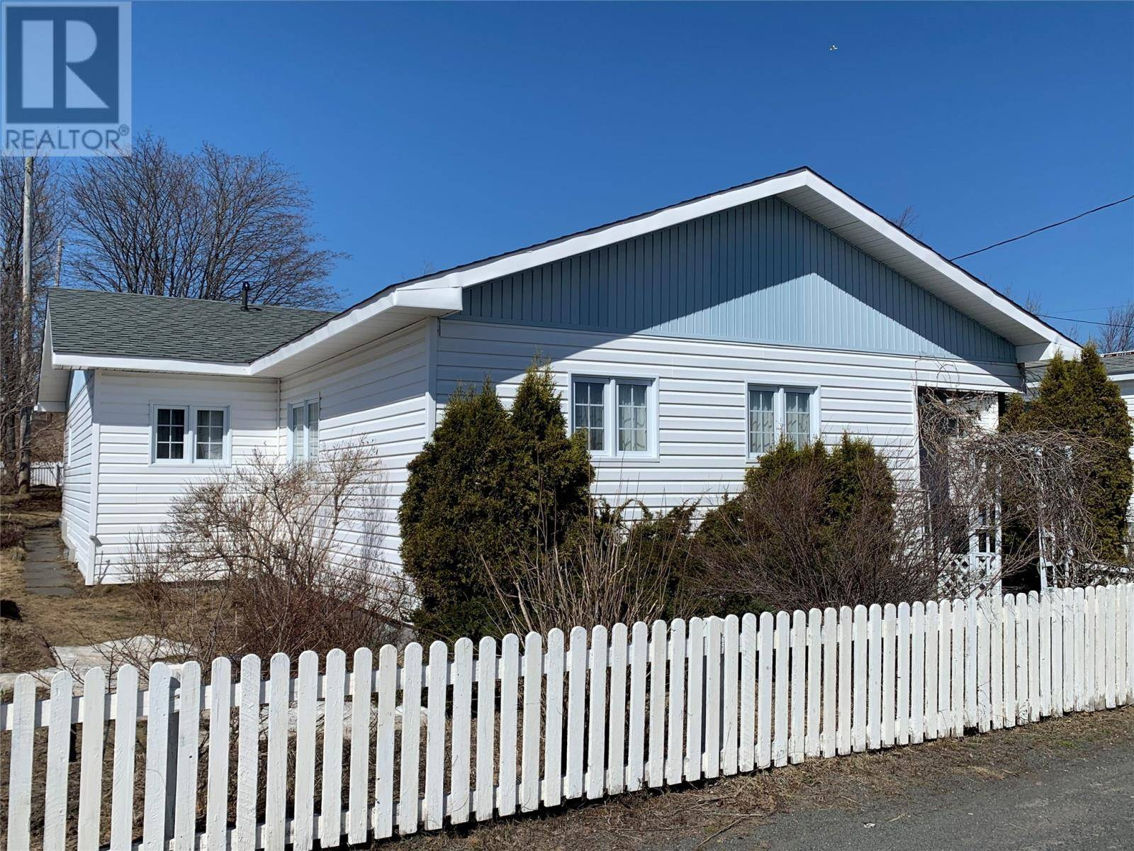 House for sale at 14 Valley Rd Grand Falls-windsor Newfoundland - MLS: 1211699