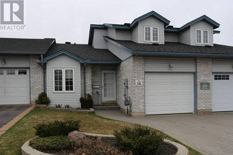 Townhouse for sale at 14 Village Ct Sault Ste. Marie Ontario - MLS: SM125286