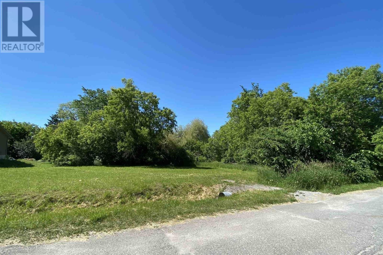 Residential property for sale at 14 Whelan St Westport Ontario - MLS: K20006130a