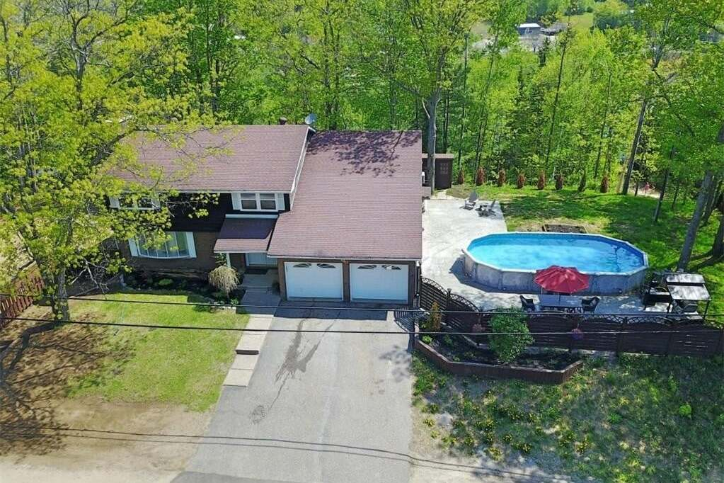 House for sale at 140 Chemaushgon Rd Bancroft Ontario - MLS: 261880