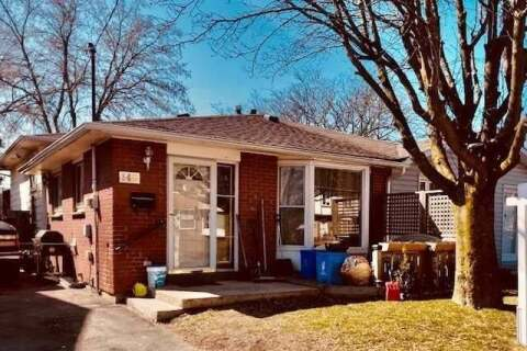 Townhouse for sale at 140 Vancouver St Oshawa Ontario - MLS: E4773171
