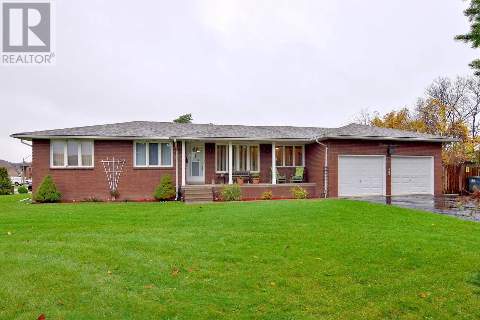 House for sale at 1400 North Service Rd East Windsor Ontario - MLS: 19027787