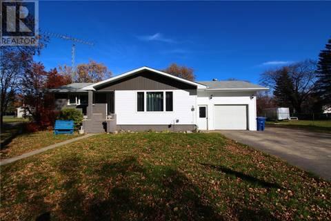 House for sale at 1402 Windover Ave Moosomin Saskatchewan - MLS: SK764158