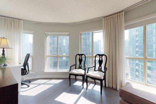 For Sale: 1404 - 25 The Esplanade , Toronto, ON | 1 Bed, 2 Bath Condo for $848,900. See 20 photos!