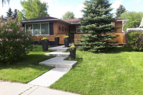 House for sale at 1404 Craig Rd SW Calgary Alberta - MLS: C4290499