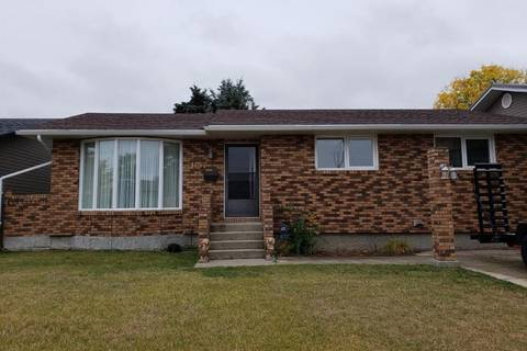 House for sale at 1407 Glendale St W Moose Jaw Saskatchewan - MLS: SK783821