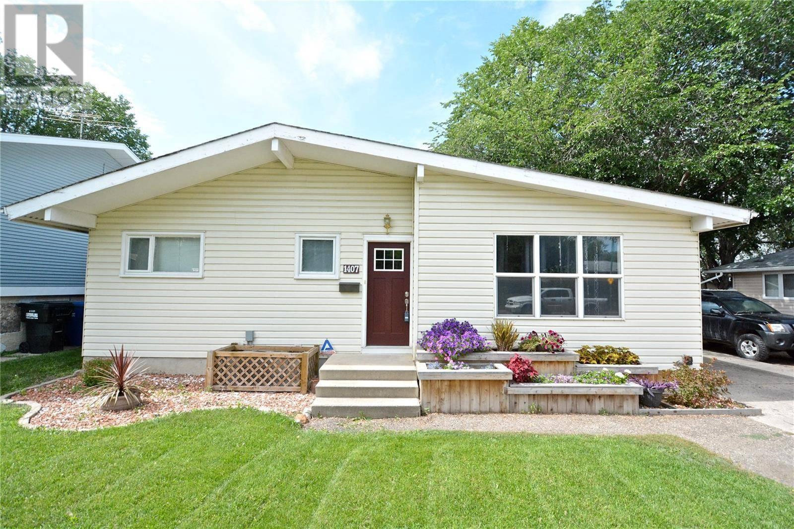 House for sale at 1407 I Ave N Saskatoon Saskatchewan - MLS: SK783329