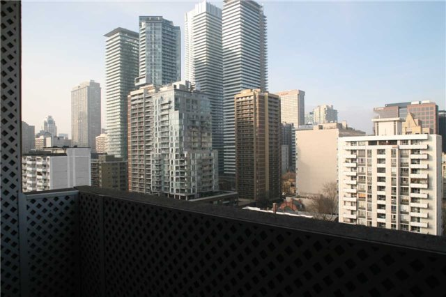 For Sale: 1408 - 86 Gloucester Street, Toronto, ON | 2 Bed, 2 Bath Condo for $607,900. See 11 photos!