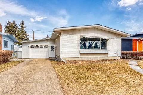 House for sale at 1408 Northmount Dr Northwest Calgary Alberta - MLS: C4237790