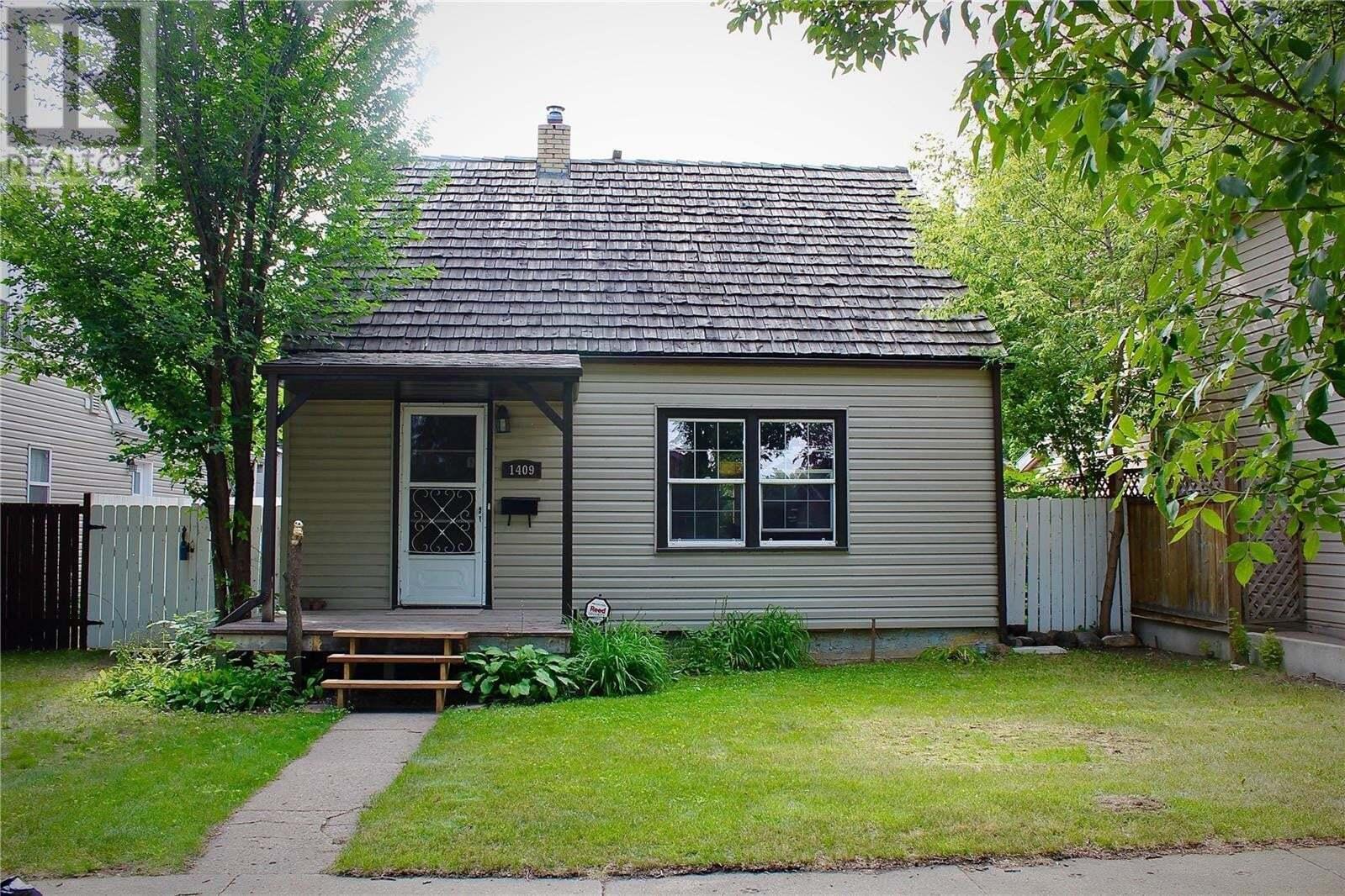 House for sale at 1409 B Ave N Saskatoon Saskatchewan - MLS: SK821338
