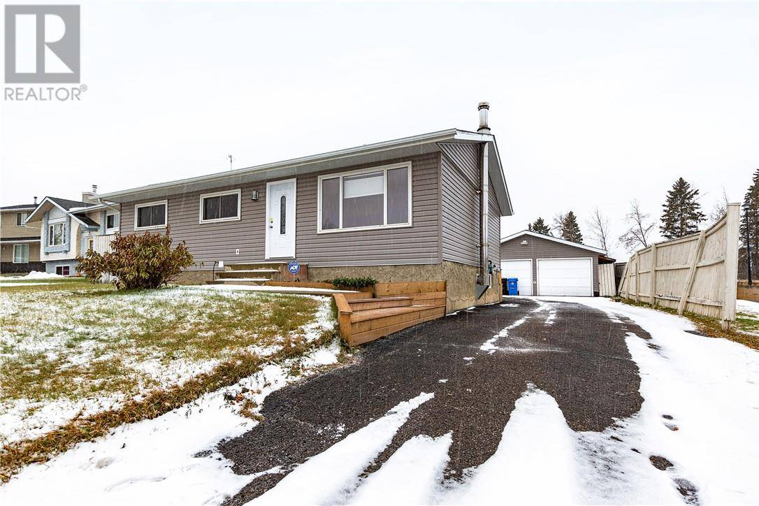 House for sale at 141 Beaumont Cres Fort Mcmurray Alberta - MLS: fm0181423
