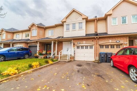 Townhouse for sale at 141 Checkerberry Cres Brampton Ontario - MLS: W4966599