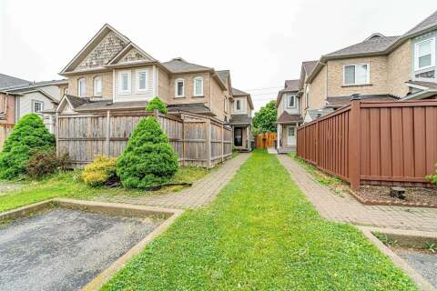 Townhouse for sale at 141 Chipmunk Cres Brampton Ontario - MLS: W4772361