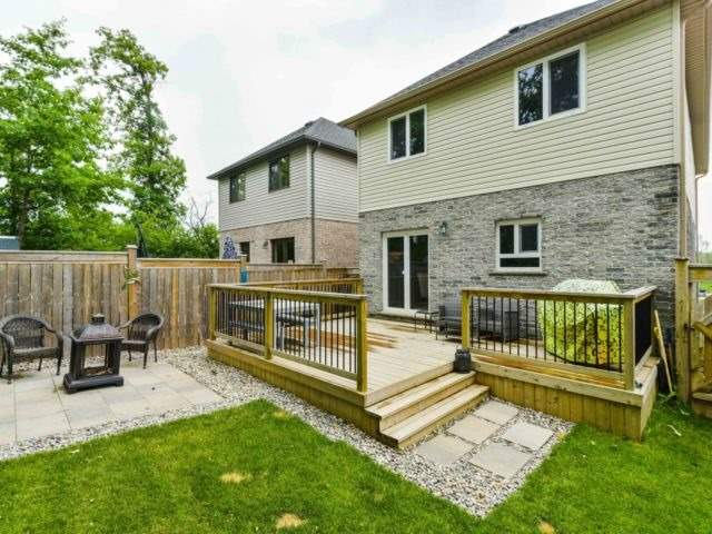 For Sale: 141 Fitzgerald Drive, Cambridge, ON | 4 Bed, 3 Bath House for $649,000. See 20 photos!