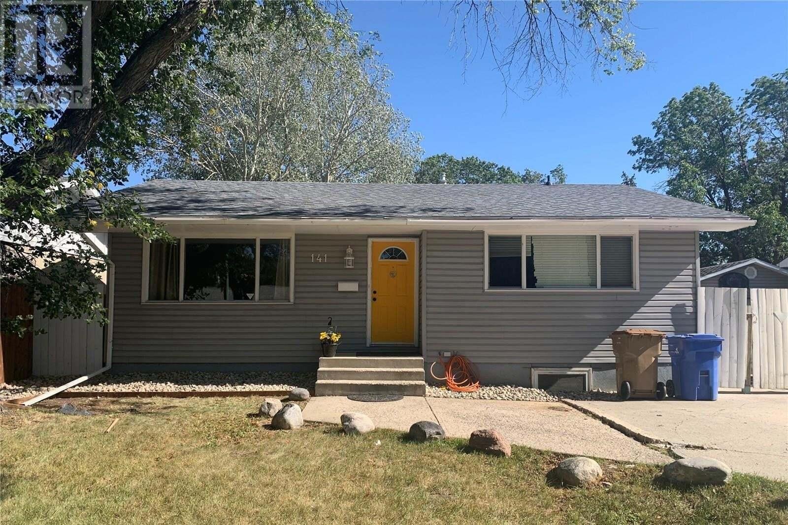 House for sale at 141 Mcdougall Cres Regina Saskatchewan - MLS: SK826419