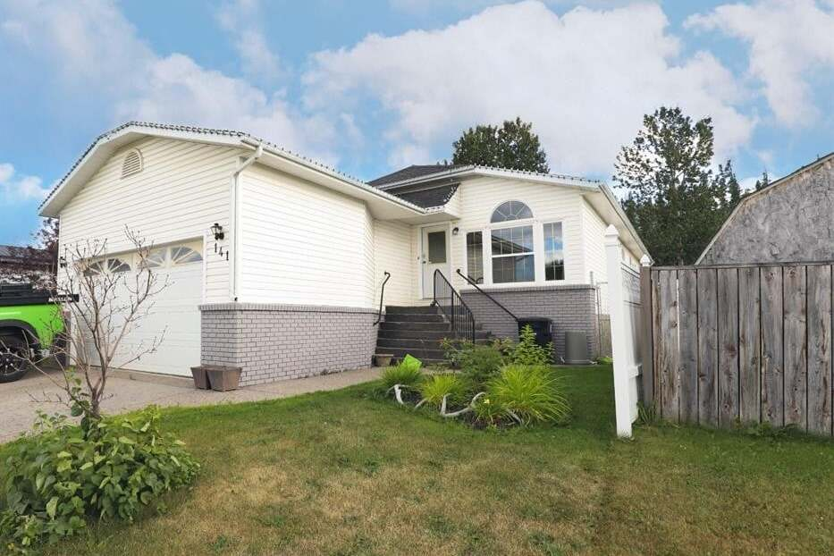 House for sale at 141 Nickerson Ave  Hinton Alberta - MLS: AW51551