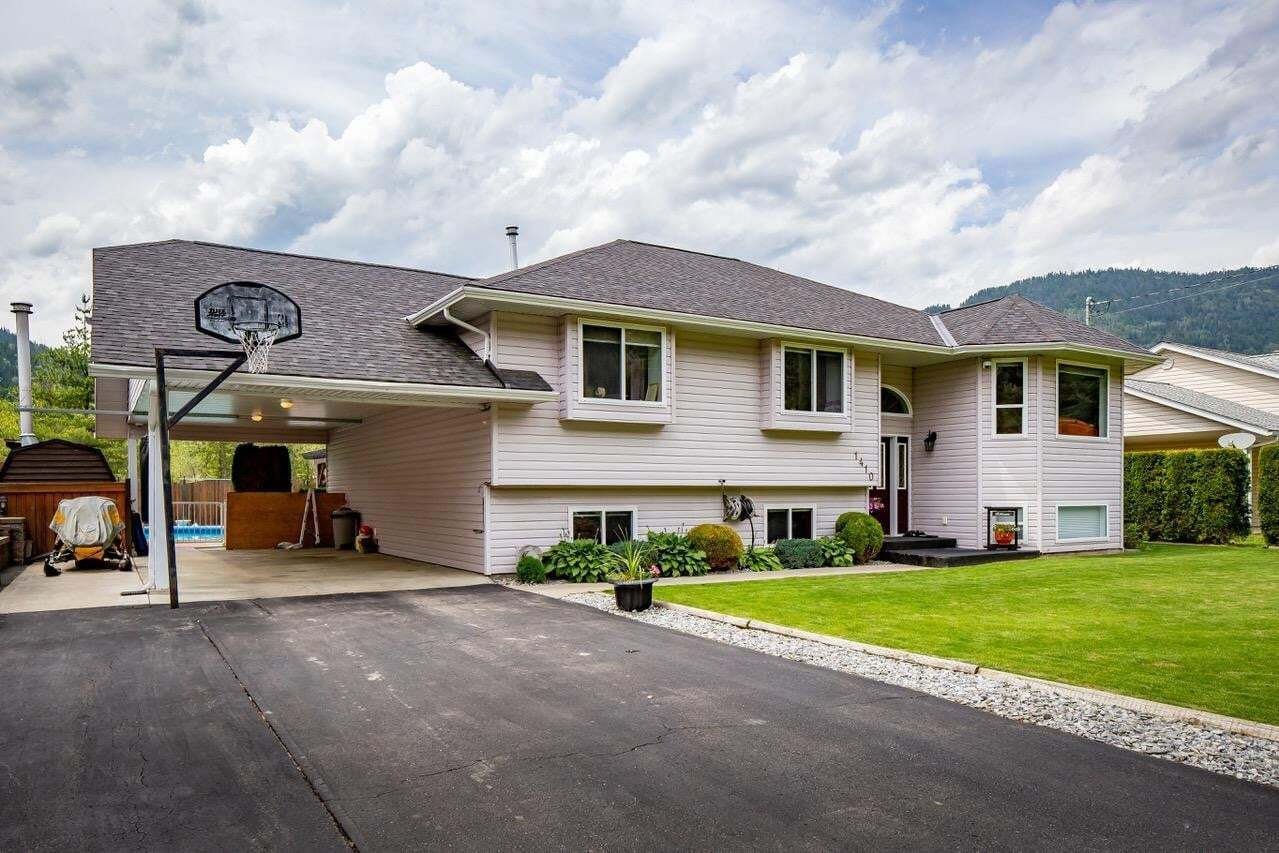 House for sale at 1410 Glendale Avenue  Salmo British Columbia - MLS: 2453052