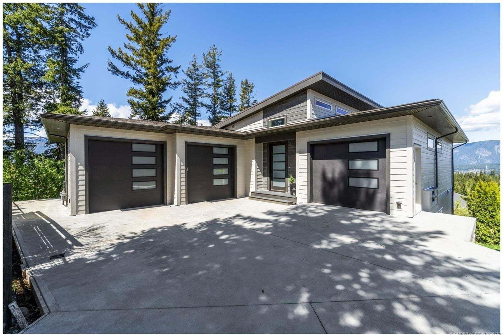 House for sale at 1411 9 Ave Southeast Salmon Arm British Columbia - MLS: 10205270