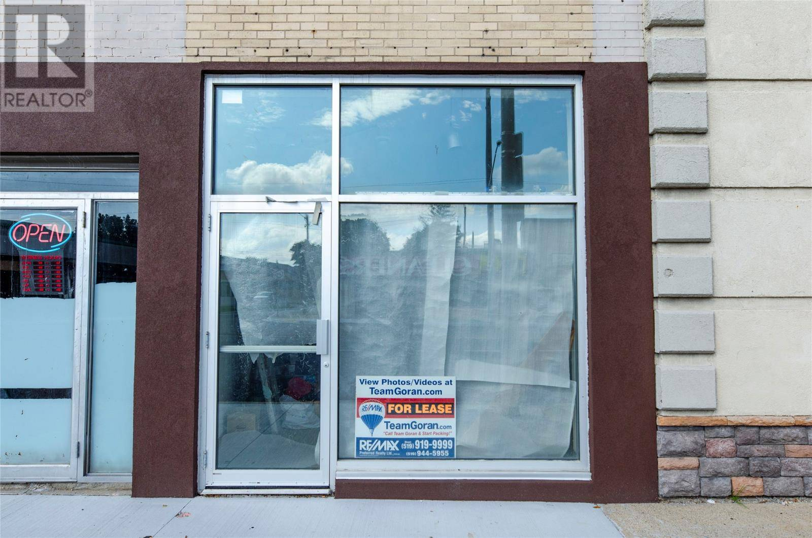 Commercial property for lease at 1412 Tecumseh  Windsor Ontario - MLS: 19024599