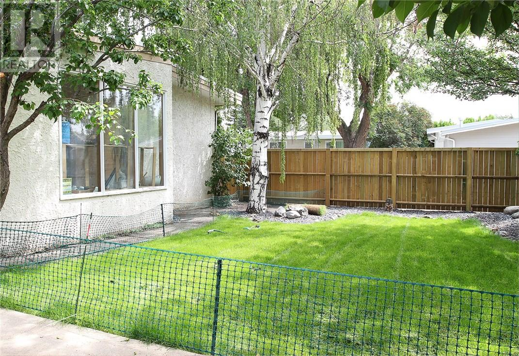 For Sale: 1413 14 Street North, Lethbridge, AB | 5 Bed, 2 Bath House for $275,000. See 20 photos!