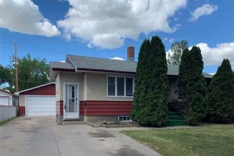 House for sale at 1414 7th Ave N Regina Saskatchewan - MLS: SK814057