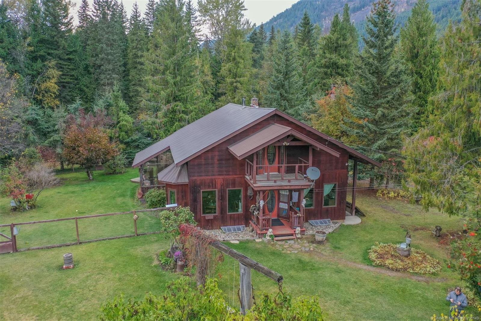 House for sale at 1416 Creighton Valley Rd Lumby British Columbia - MLS: 10218149