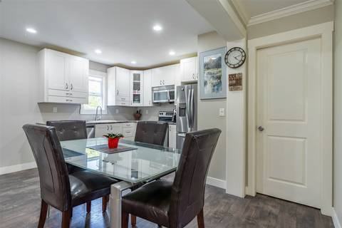 Townhouse for sale at 14162 Kindersley Dr Surrey British Columbia - MLS: R2402230