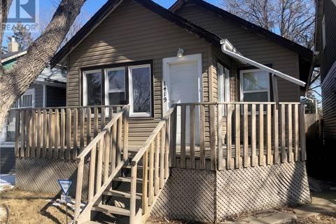 House for sale at 1419 Wascana St Regina Saskatchewan - MLS: SK803645