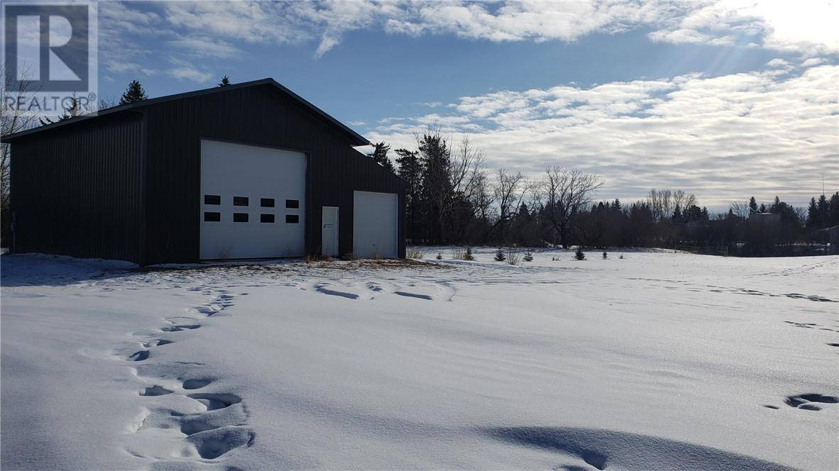 Home for sale at  Township Rd Unit 141a23 Castor Alberta - MLS: ca0188663