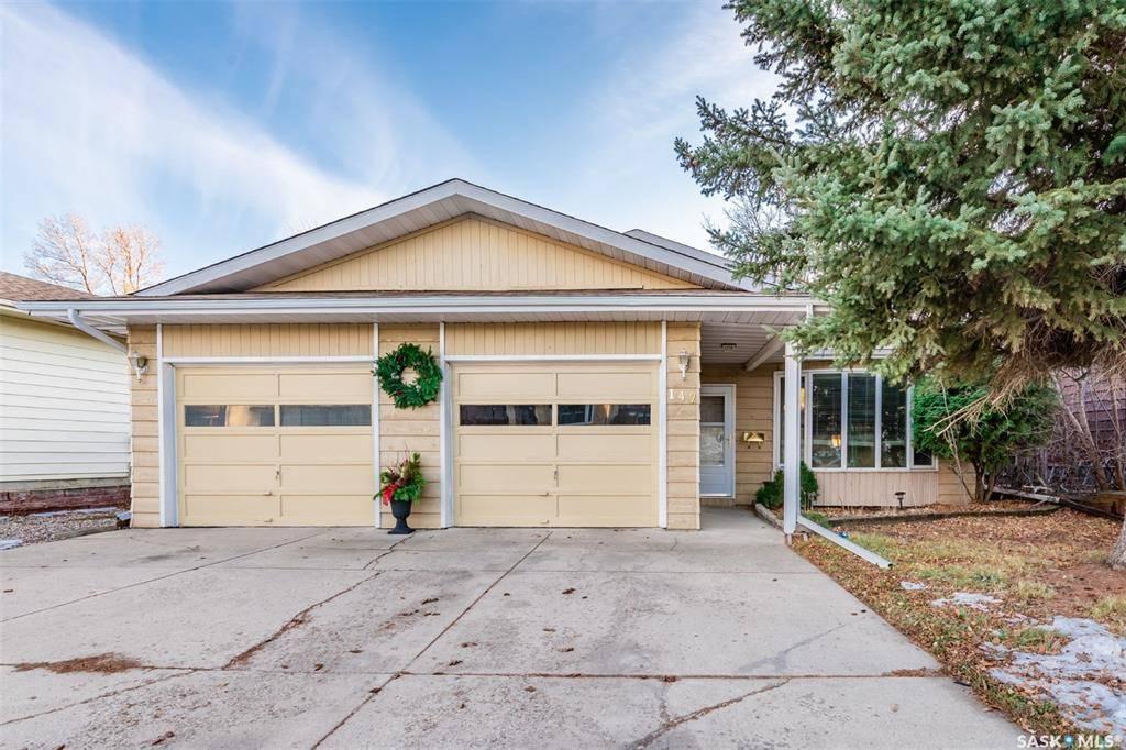 House for sale at 142 Costigan Rd Saskatoon Saskatchewan - MLS: SK792966