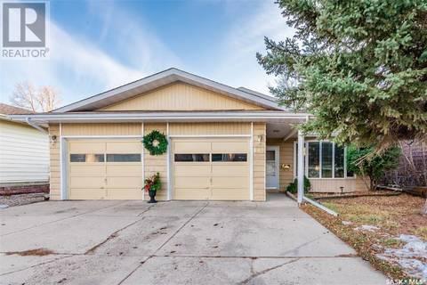 House for sale at 142 Costigan Rd Saskatoon Saskatchewan - MLS: SK803708