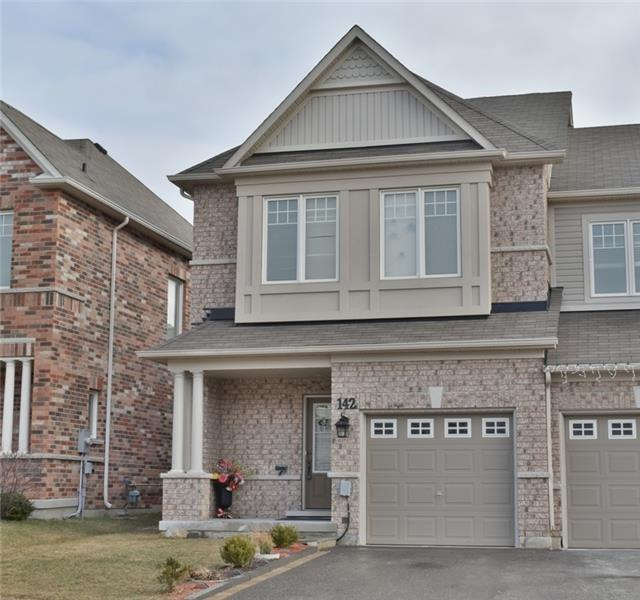 For Sale: 142 Courtland Crescent, Newmarket, ON | 3 Bed, 3 Bath Townhouse for $698,800. See 19 photos!