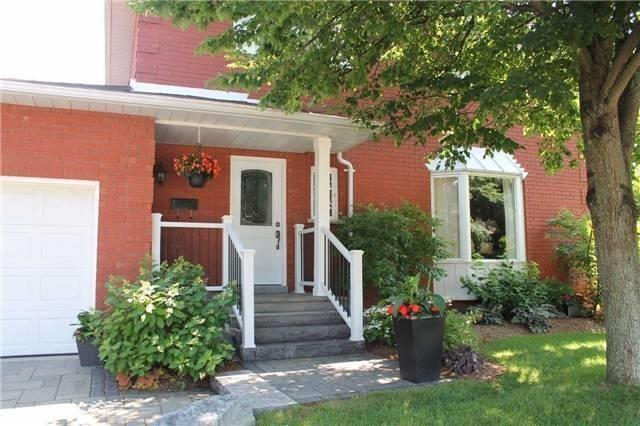 For Sale: 142 East House Crescent, Cobourg, ON | 3 Bed, 2 Bath House for $569,000. See 17 photos!