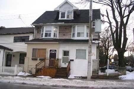 Townhouse for rent at 142 Jones Ave Toronto Ontario - MLS: E4918733