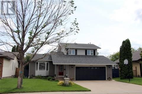 House for sale at 142 Neusch Cres Saskatoon Saskatchewan - MLS: SK779260