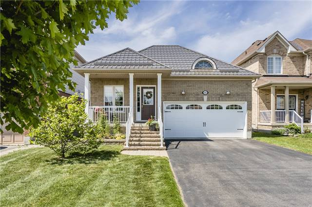 For Sale: 142 Sovereigns Gate, Barrie, ON | 3 Bed, 2 Bath House for $572,900. See 14 photos!