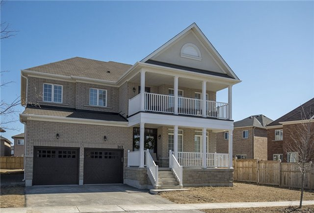 For Sale: 142 Webb Street, Bradford West Gwillimbury, ON   4 Bed, 4 Bath House for $999,000. See 20 photos!