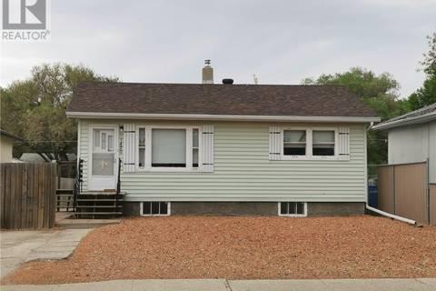 House for sale at 1420 Grey St Regina Saskatchewan - MLS: SK774306