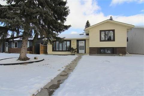 House for sale at 1424 Acadia Dr Southeast Calgary Alberta - MLS: C4285303